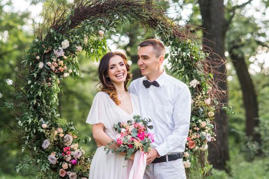 Подарунки на весілля в Україні 2020